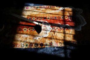 correctly wash the handmade carpet