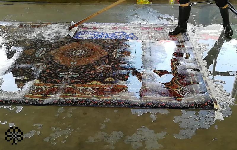 خیس کردن فرش دستباف