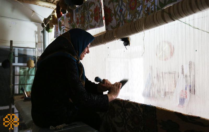 carpet weaving wages
